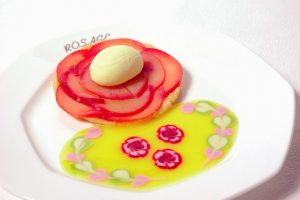 山のホテル ロザージュ伝統のあつあつりんごパイ