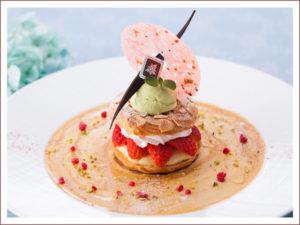 小田原産苺のパリブレスト 桜の香りと共に 1,559円