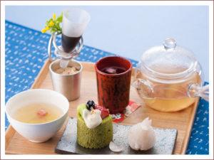 箱根の森の春 1,386円(桜のお茶付)
