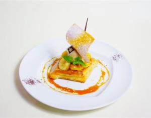ロザージュ特製 フルーツパイ~海賊船仕立て~