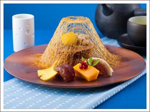 東富士地鶏の卵を使った黒糖の生カステラ 1,617円(ゆず緑茶付)