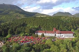箱根の豊かな自然に囲まれた「山のホテル」